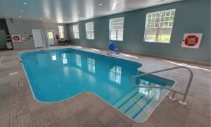 Carlton Hollow Indoor Pool
